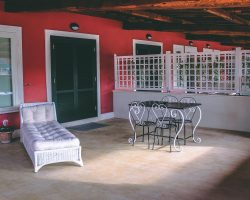 patio con lettino appartamento residence centro benigni roma